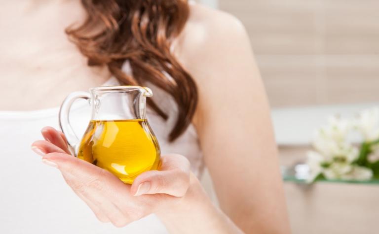 Doe een oliekuur: herstel de natuurlijke balans van je hoofdhuid