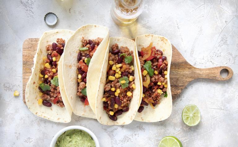 Tortilla's of taco's met (vega)gehakt en guacamole