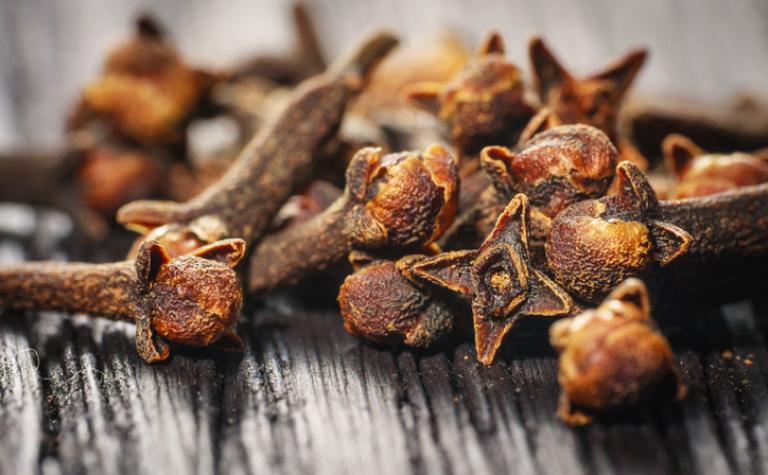 Kruidnagel, specerij met breed gebruik