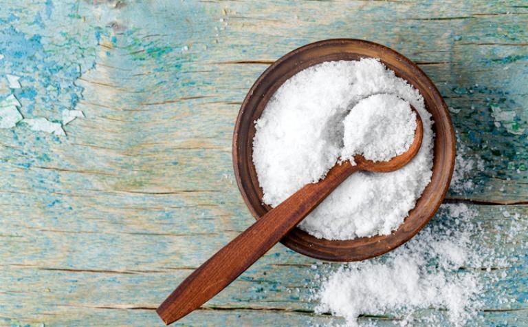 10 tekens die wijzen op te veel zoutgebruik
